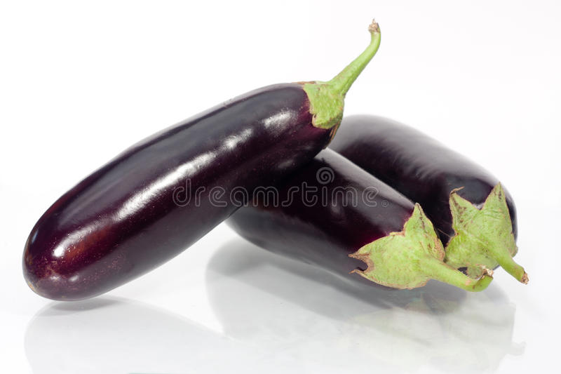 De groente van de aubergine of van de aubergine op wit royalty-vrije stock foto