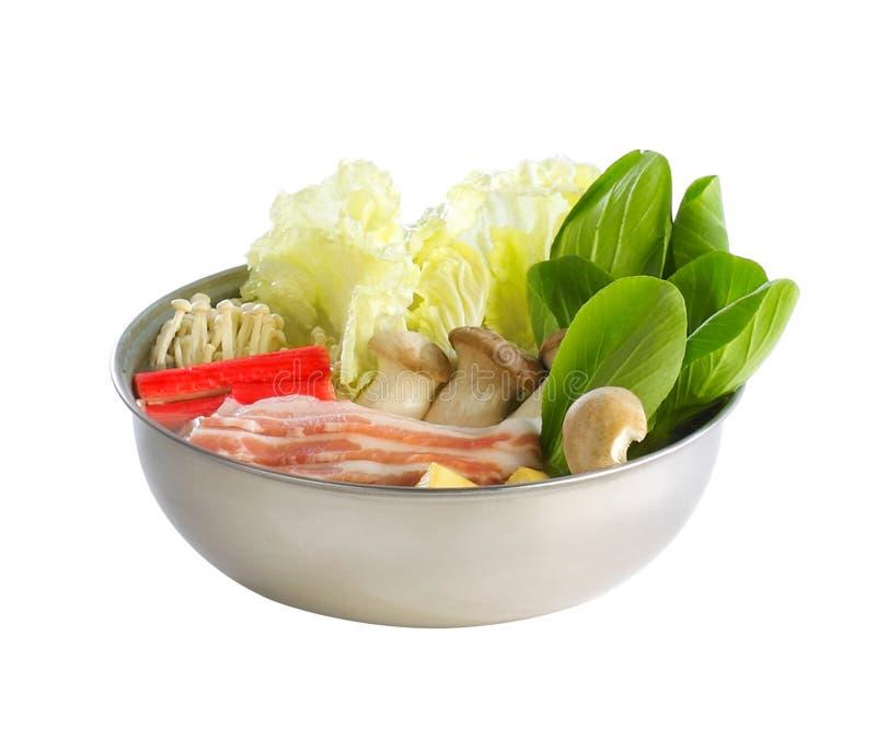 De groenten van Sukiyaki in de aluminiumkom stock foto