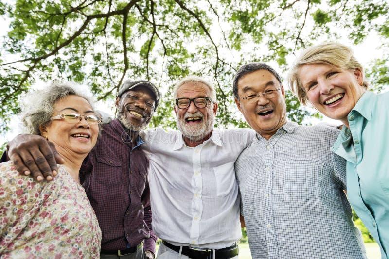 De groep Hogere Pensioneringsbespreking ontmoet omhoog Concept royalty-vrije stock afbeeldingen