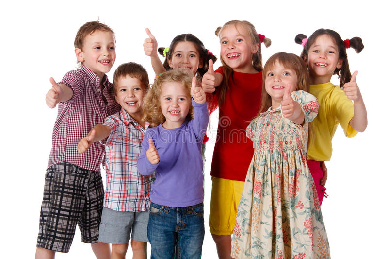 De groep kinderen met duimen ondertekent omhoog stock afbeeldingen