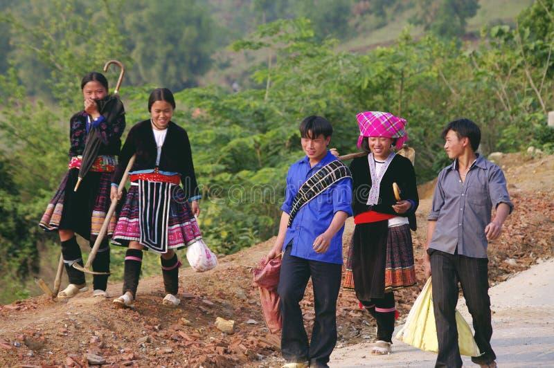 De groep van de jeugd etnische gebloeide Hmong royalty-vrije stock fotografie