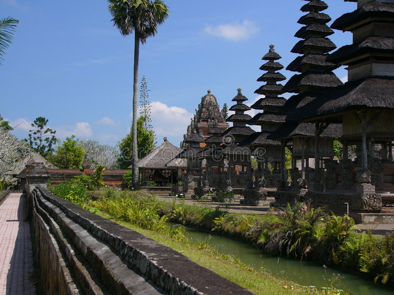 De gronden van de tempel in Bali royalty-vrije stock fotografie