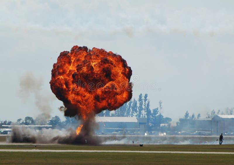 De grondexplosie van de paddestoel royalty-vrije stock afbeeldingen