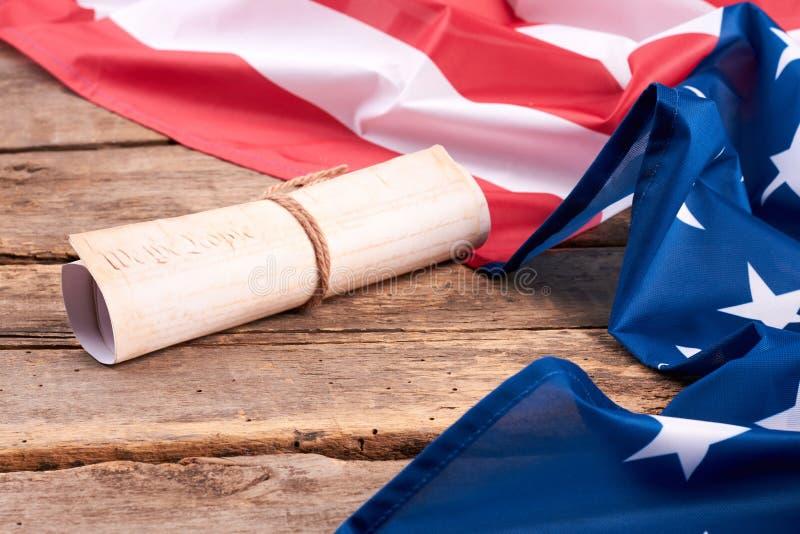 De Grondwet van de V.S. in rol wordt gerold die royalty-vrije stock foto's