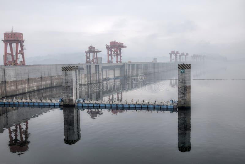 De Grootste Waterkrachtcentrale in de Wereld - Drie Klovendam op Yangtze-rivier in China royalty-vrije stock afbeeldingen