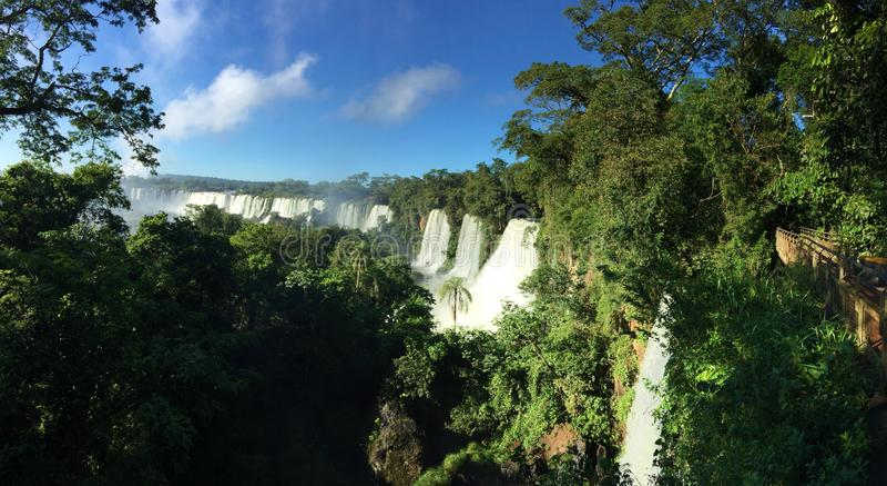 De grootste waterval in de wereld - Iguazu valt de Kant van Argentinië royalty-vrije stock foto