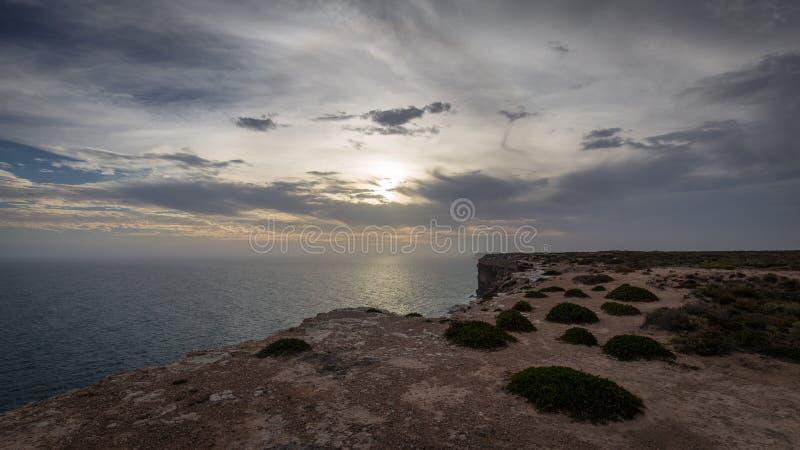 De Grote Australische Bocht op de Rand van de Nullarbor-Vlakte royalty-vrije stock afbeeldingen