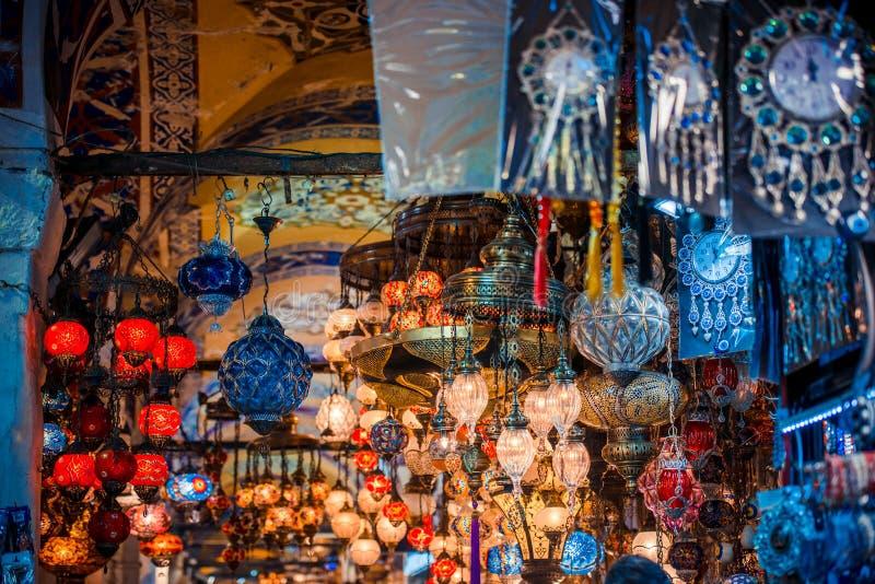 De grote bazaar van Istanboel stock foto's