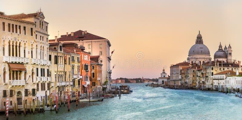 De grote Begroeting van della van Santa Maria van het Kanaal en van de Basiliek, Venetië, Italië royalty-vrije stock foto