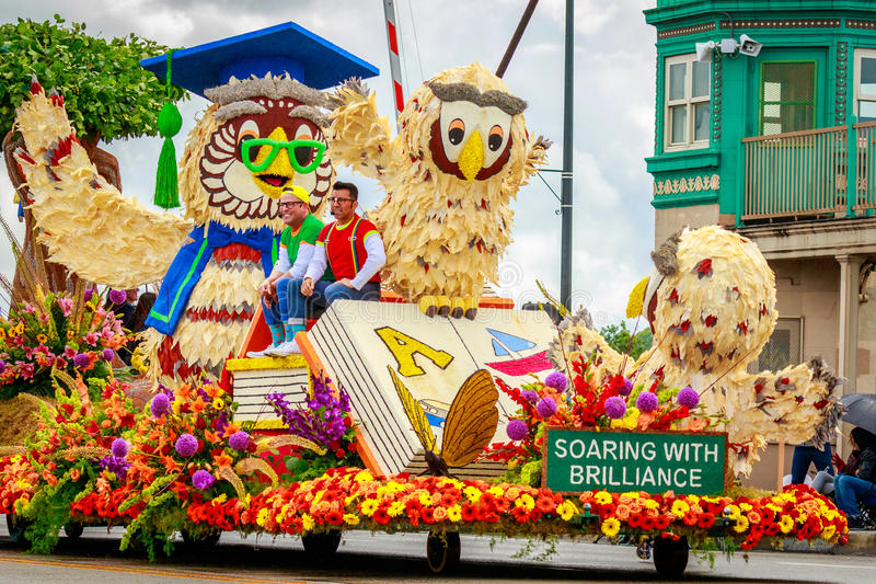 De Grote Bloemenparade 2017 van Portland royalty-vrije stock foto