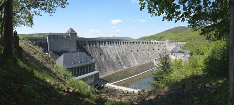 De grote Edersee-Dam, Duitsland (Panorama) royalty-vrije stock afbeelding