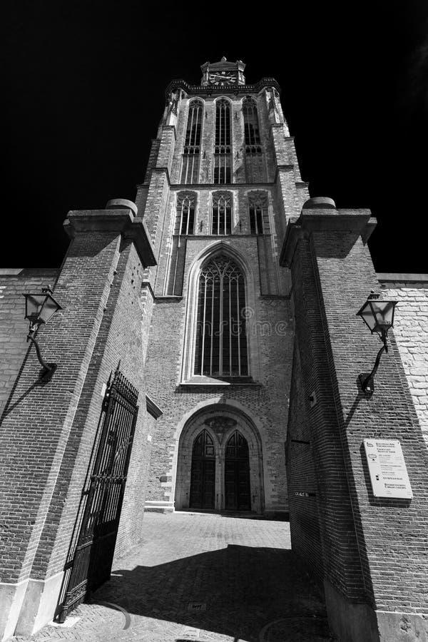 De Grote Kerk en Dordrecht en blanco y negro foto de archivo libre de regalías