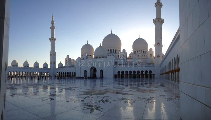 De Grote Moskee van Abu Dhabi stock foto