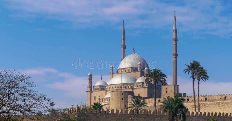 De Grote Moskee van de ottomanestijl van Muhammad Ali, Citadel van Kaïro, die door Muhammad Ali Pasha, Kaïro, Egypte wordt opgedr stock fotografie
