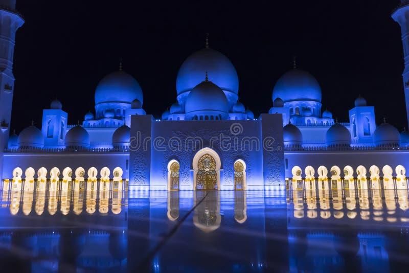 De Grote Moskee van Zayed van de sjeik, Abu Dhabi royalty-vrije stock foto