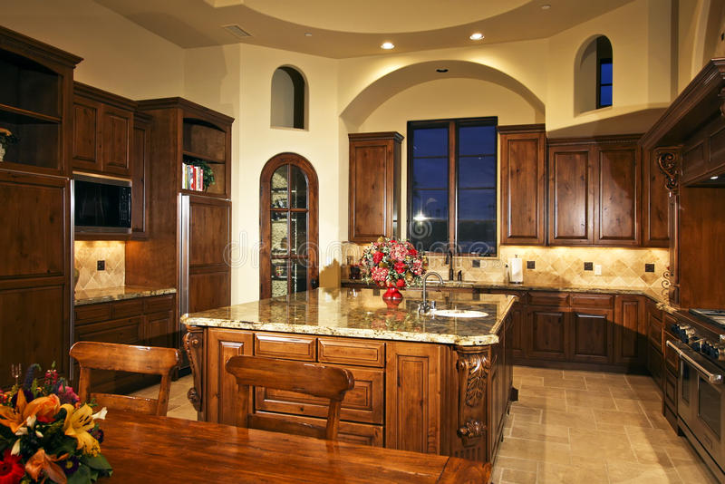 De grote Nieuwe Keuken van het Huis stock foto