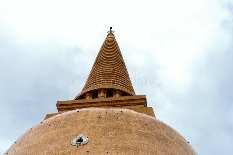 De Grote pagode van Phrapathom Chedi, de Provincie van Nakhon Pathom, Thailand stock afbeelding