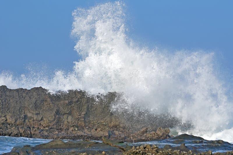 De grote rots van Sawarna stock foto