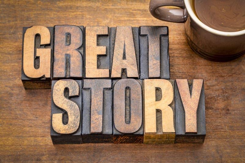 De grote samenvatting van het verhaalwoord in uitstekend houten type stock foto