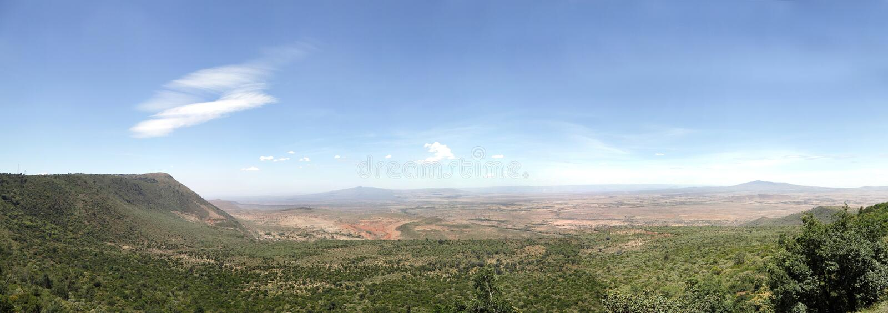 De grote spleetvallei van Kenia met (juiste) Volcano Mt Longonot en MT (verlaten) Suswa stock afbeelding