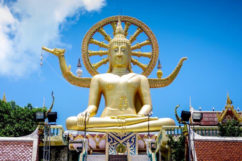 De grote tempel van Boedha op Samui-eiland stock afbeeldingen