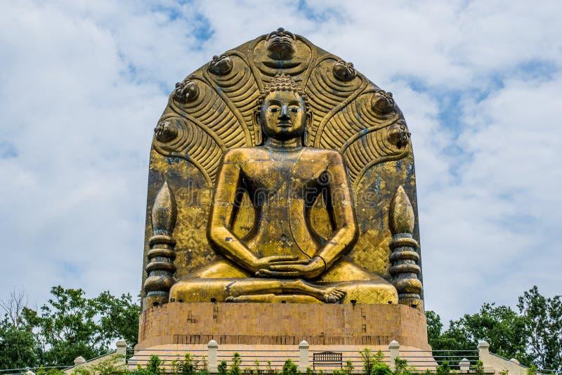 De grote van Boedha Huidige Sirindhorn Globalisering van het standbeeldtawaravadee Sri bevordert Khoa Eto Prachinburi stock afbeelding