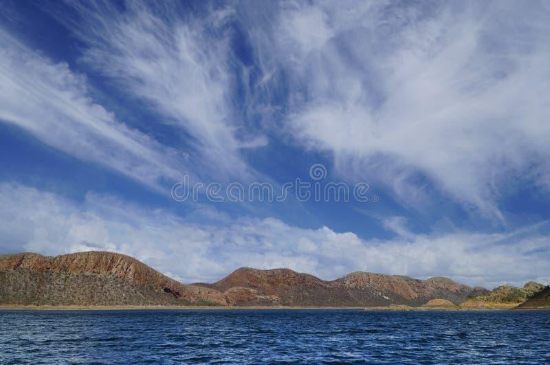 De grote wolken van meeragryle Westelijk Australië stock foto