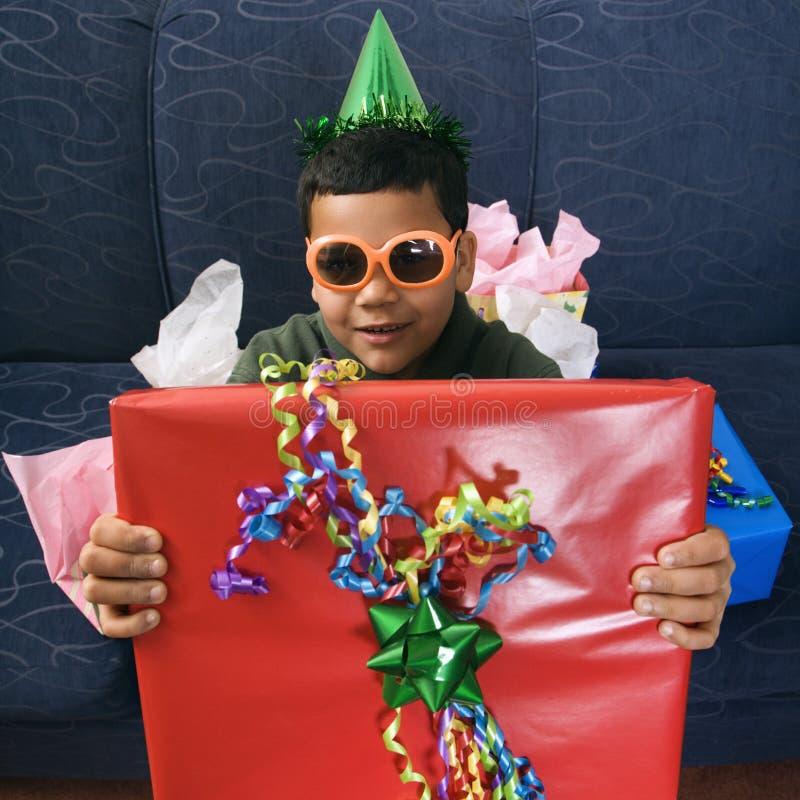 De gunsten van de jongen en van de verjaardagspartij. stock foto's
