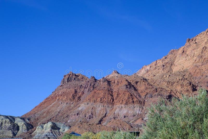 De härliga cinnoberfärgklipporna i Arizona arkivbild