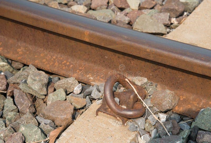 De haakbouten van het spoorwegspoor stock afbeelding