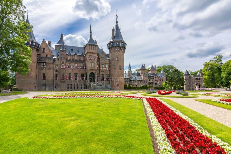 De Haar slott och trädgård nära Utrecht, Nederländerna royaltyfria bilder
