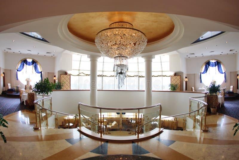 De hal 2de verdieping van het hotel royalty-vrije stock foto