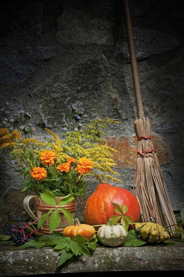 De Halloween vida ainda foto de stock royalty free