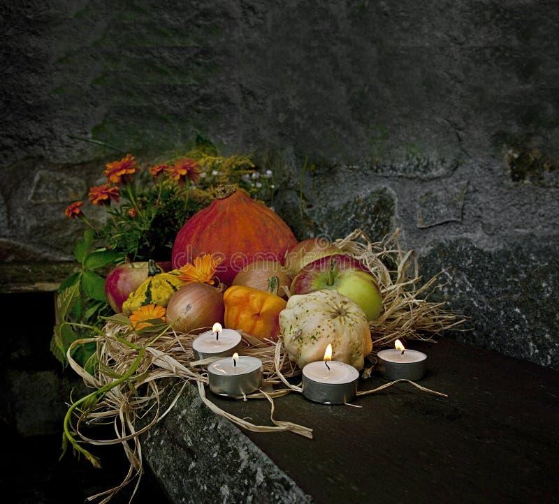 De Halloween vida escura ainda foto de stock