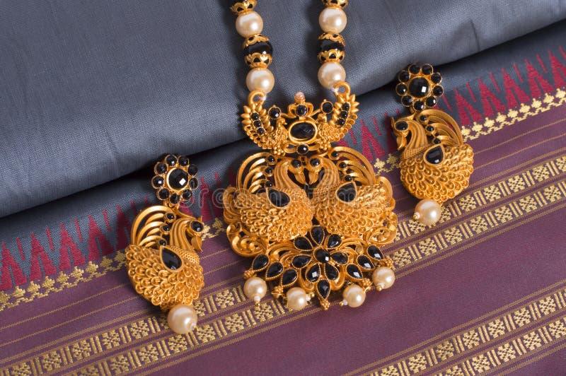 De halsbandreeks van tempeljuwelen royalty-vrije stock fotografie