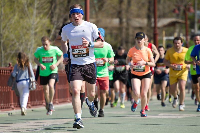 De halve marathon van Kiev in de Oekraïne stock foto