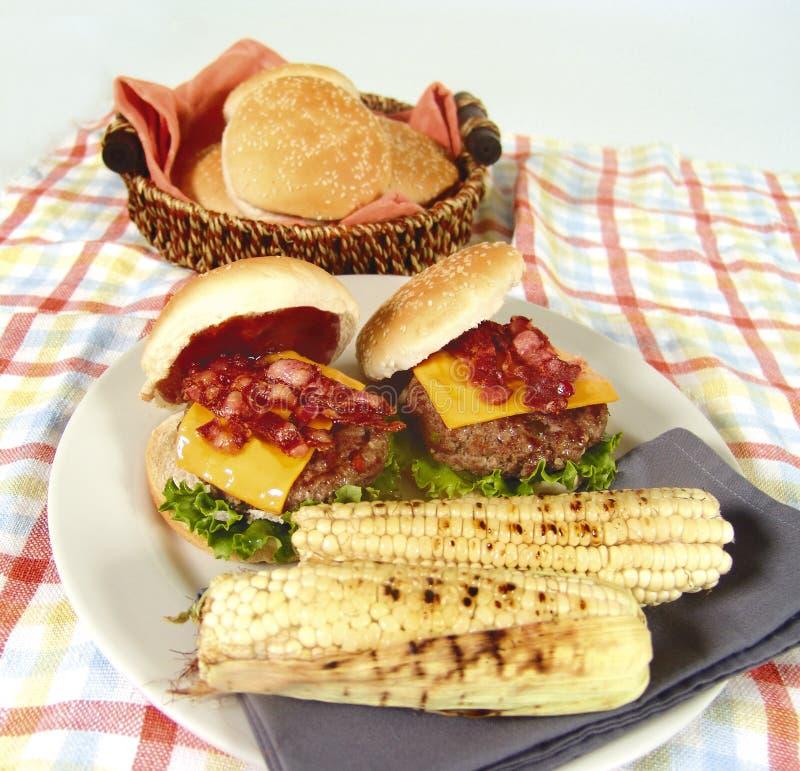 De hamburger van het bacon stock fotografie