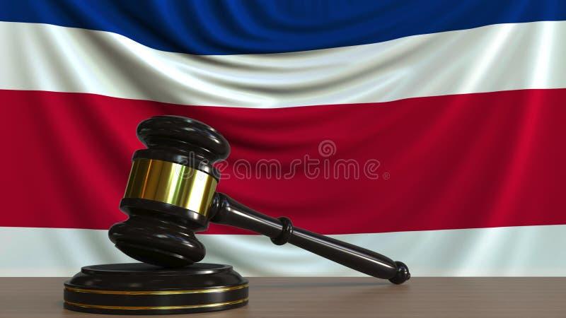 De hamer en het blok van de rechter tegen de vlag van Costa Rica Het nationale hof conceptuele 3D teruggeven stock illustratie