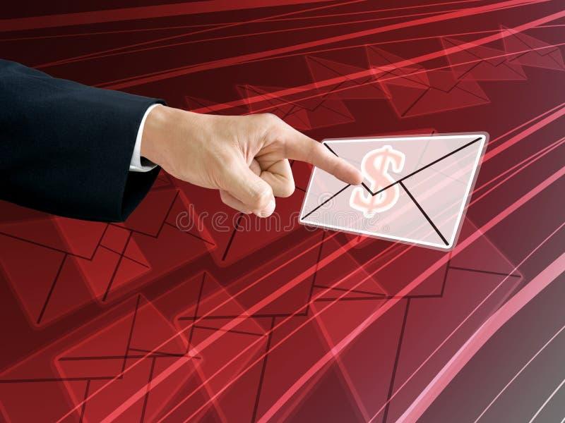 De hand van de zakenman krijgt de inkomens van e-mail royalty-vrije stock foto's