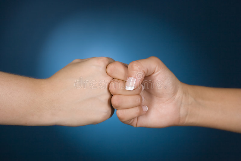 De handen tonen de concurrentie stock foto's