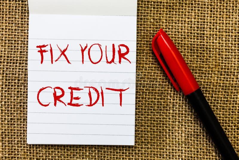 De handschrifttekst bevestigt Uw Krediet De conceptenbetekenis houdt saldi op creditcards en ander krediet laag royalty-vrije stock foto's