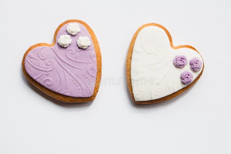 De hart gevormde koekjes van de zandkoekvalentijnskaart royalty-vrije stock afbeeldingen