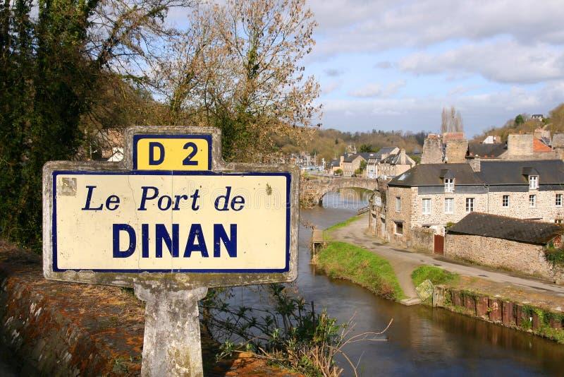 De haven op de Rance-rivier in Dinan, Frankrijk royalty-vrije stock afbeelding