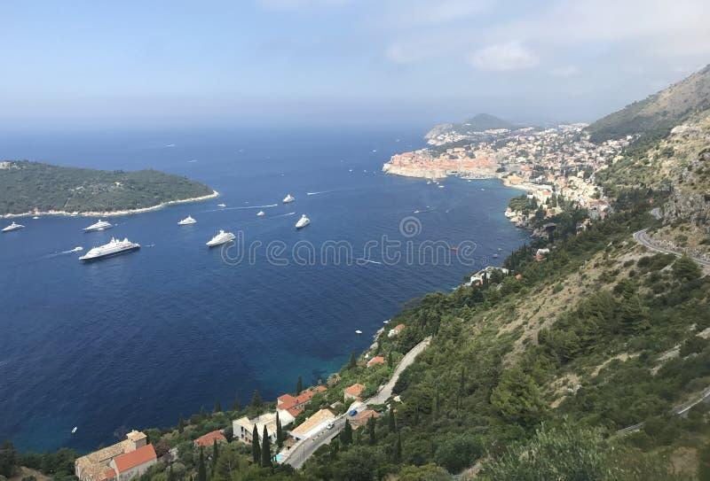 De haven overzeese van Kroatië Dubrovnik Mediterrane cruiseschepen stock foto