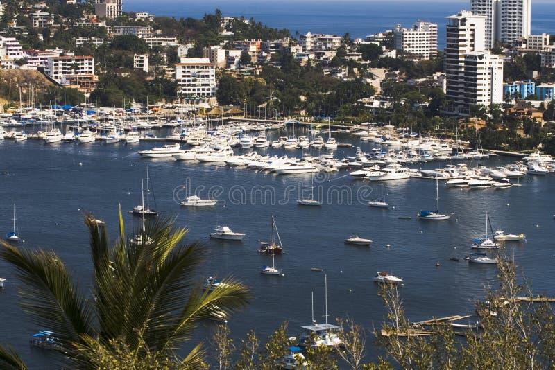 De Haven van Acapulco overziet royalty-vrije stock afbeeldingen