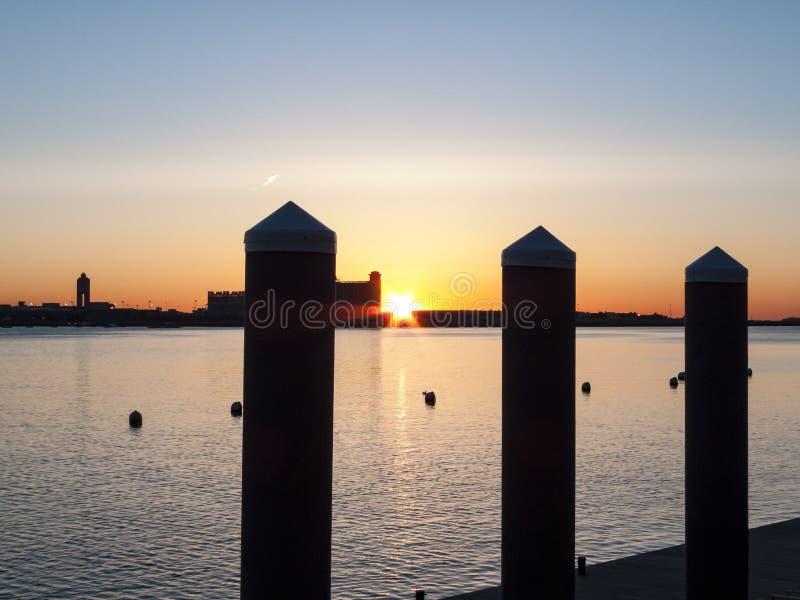 De haven van Boston bij dageraad royalty-vrije stock afbeelding