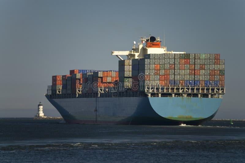 De Haven van de Bladeren van het Schip van de Container van de lading royalty-vrije stock foto's