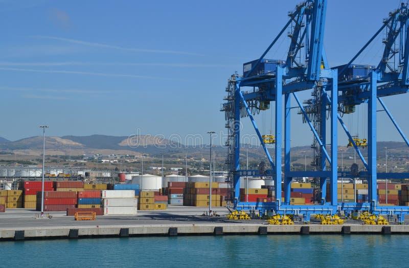 De haven van de lading in Italië royalty-vrije stock foto's