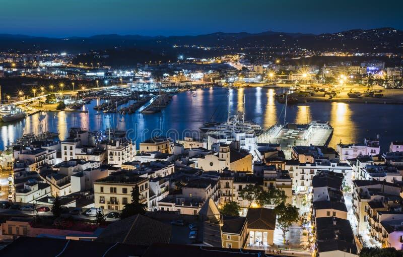 De Haven van Eivissa bij nacht, Ibiza, Spanje stock foto's