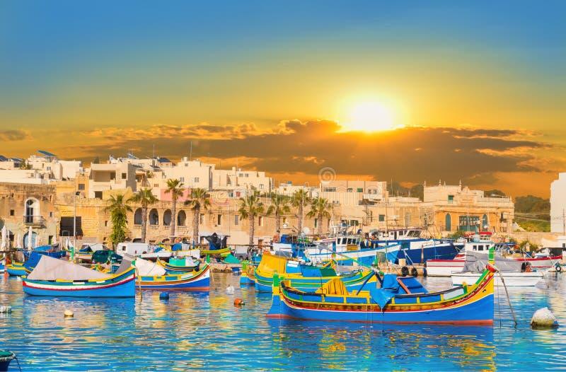 De haven van het Marsaxlokkdorp van Malta royalty-vrije stock fotografie